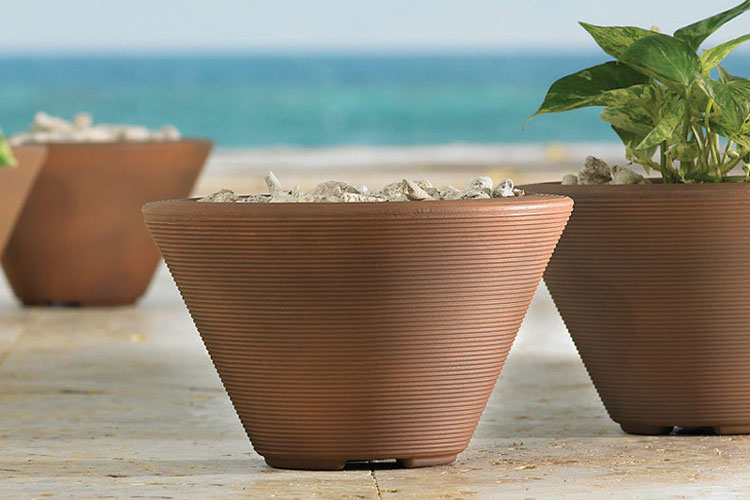 wholesale-fiberglass-tapered-outdoor-planter-4