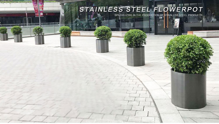 Outdoor stainless steel planters are widely used in a variety of places